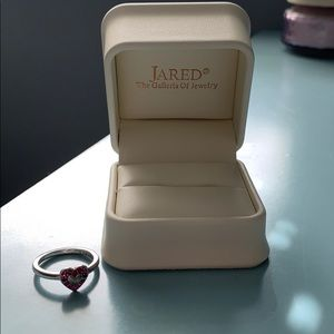 Jewelry - Jared Sterling silver Red gemstone heart ring